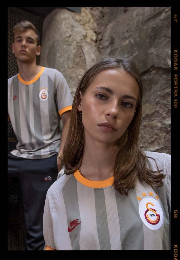 5-camiseta-tercera-del-galatasaray-nike-19-20-min.jpg