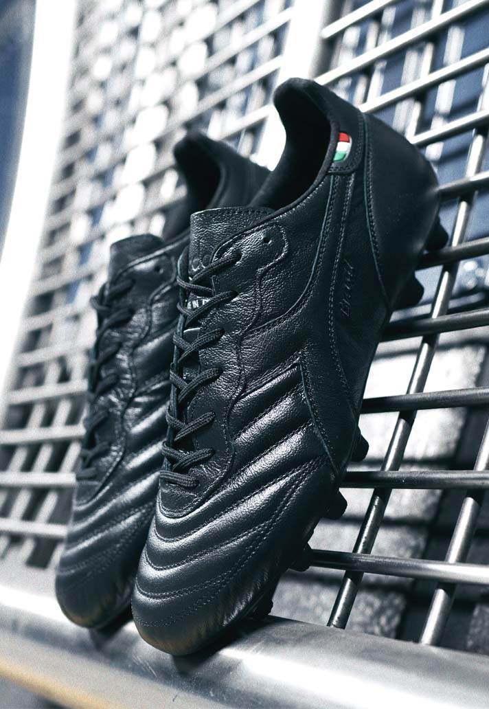 3-diadroa-brasil-blackout-boots-min.jpg