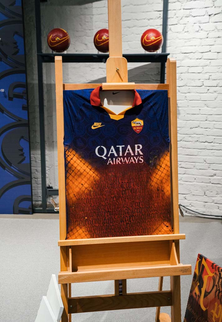 Sureste toque mientras  Roma's 2019/20 Shirts Reworked At Special Nike Store Event - SoccerBible