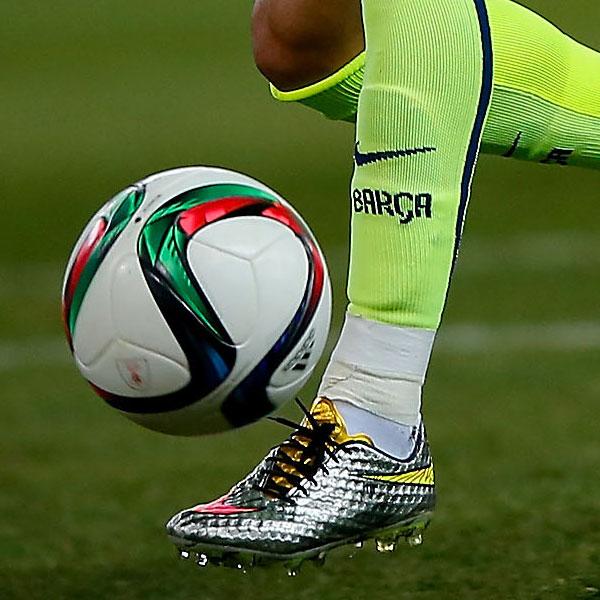 034cd136ab Neymar Debuts Nike Hypervenom Liquid Diamond In Copa del Rey