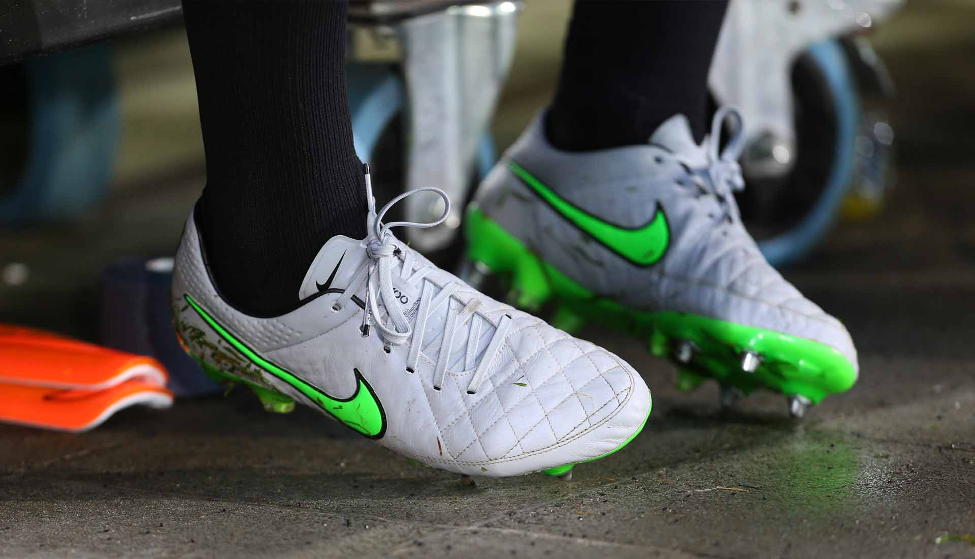 Fielmente búnker Buque de guerra  SoccerBible's Top 30 Football Boots of the Decade - SoccerBible