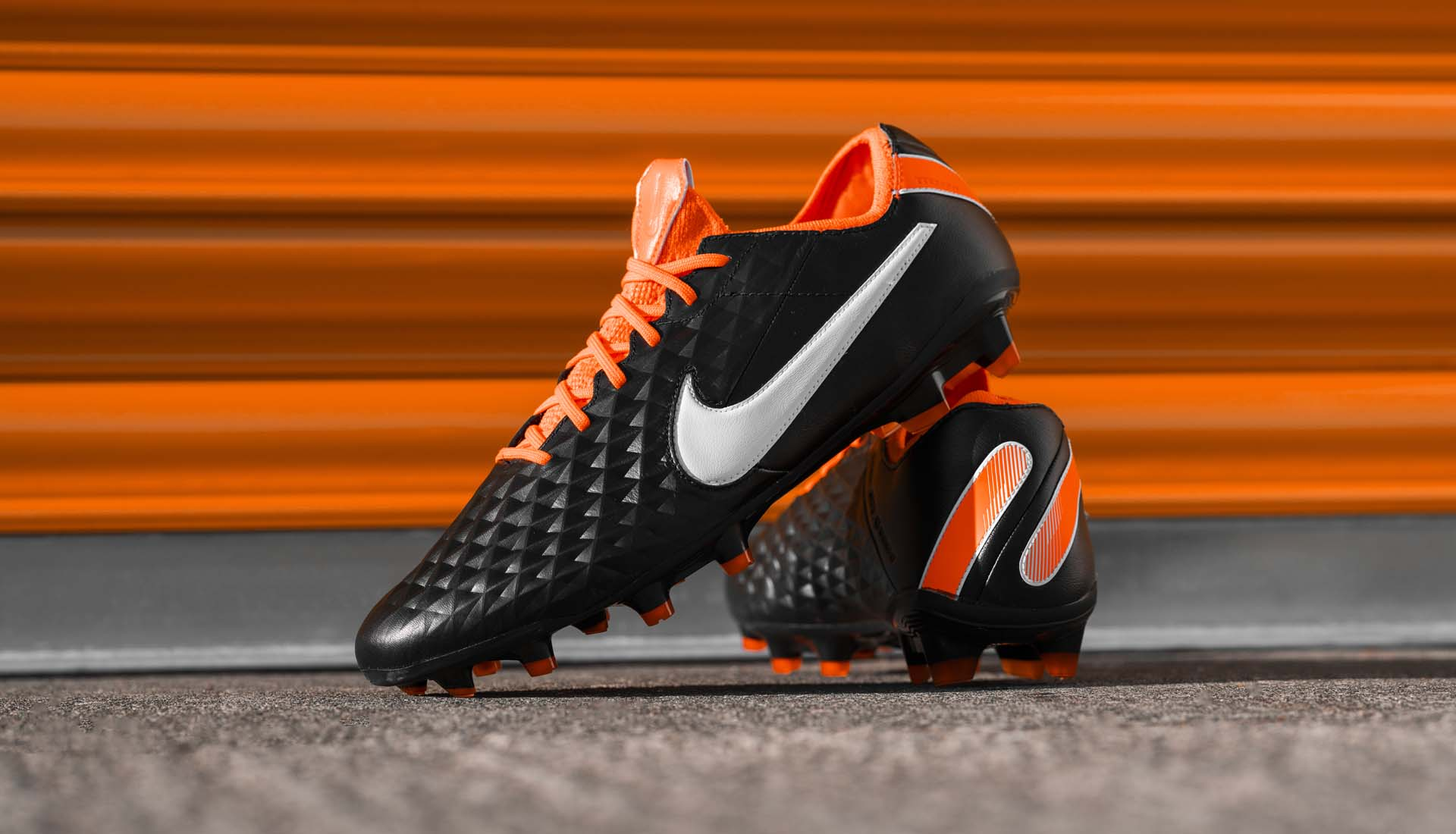 episodio Línea de metal caliente  Nike Launch The 'Future DNA' Tiempo Legend Football Boots - SoccerBible