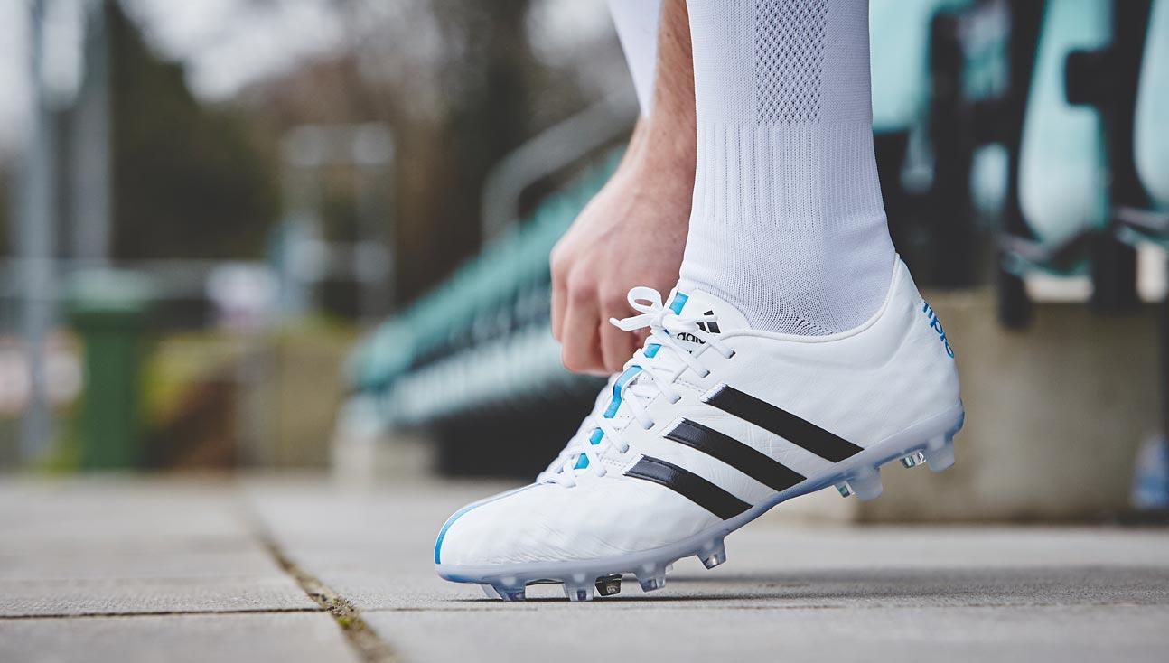 Era 11Pro Soccerbible: Adidas