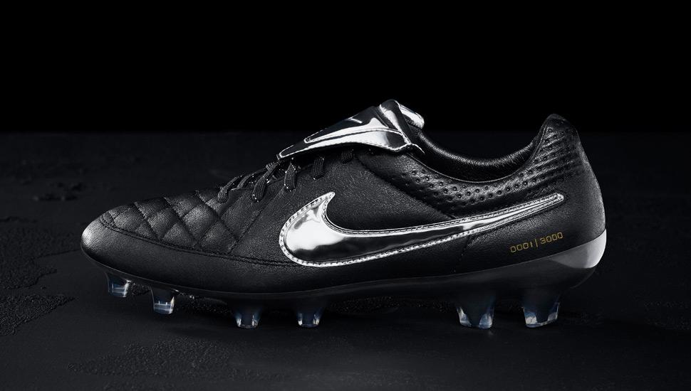 finest selection f7c28 73a61 Nike Tiempo Legend V Premium - SoccerBible