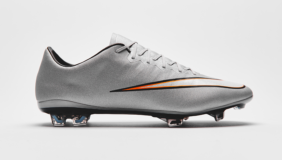 official photos b9be3 b969b Nike Mercurial Vapor X CR