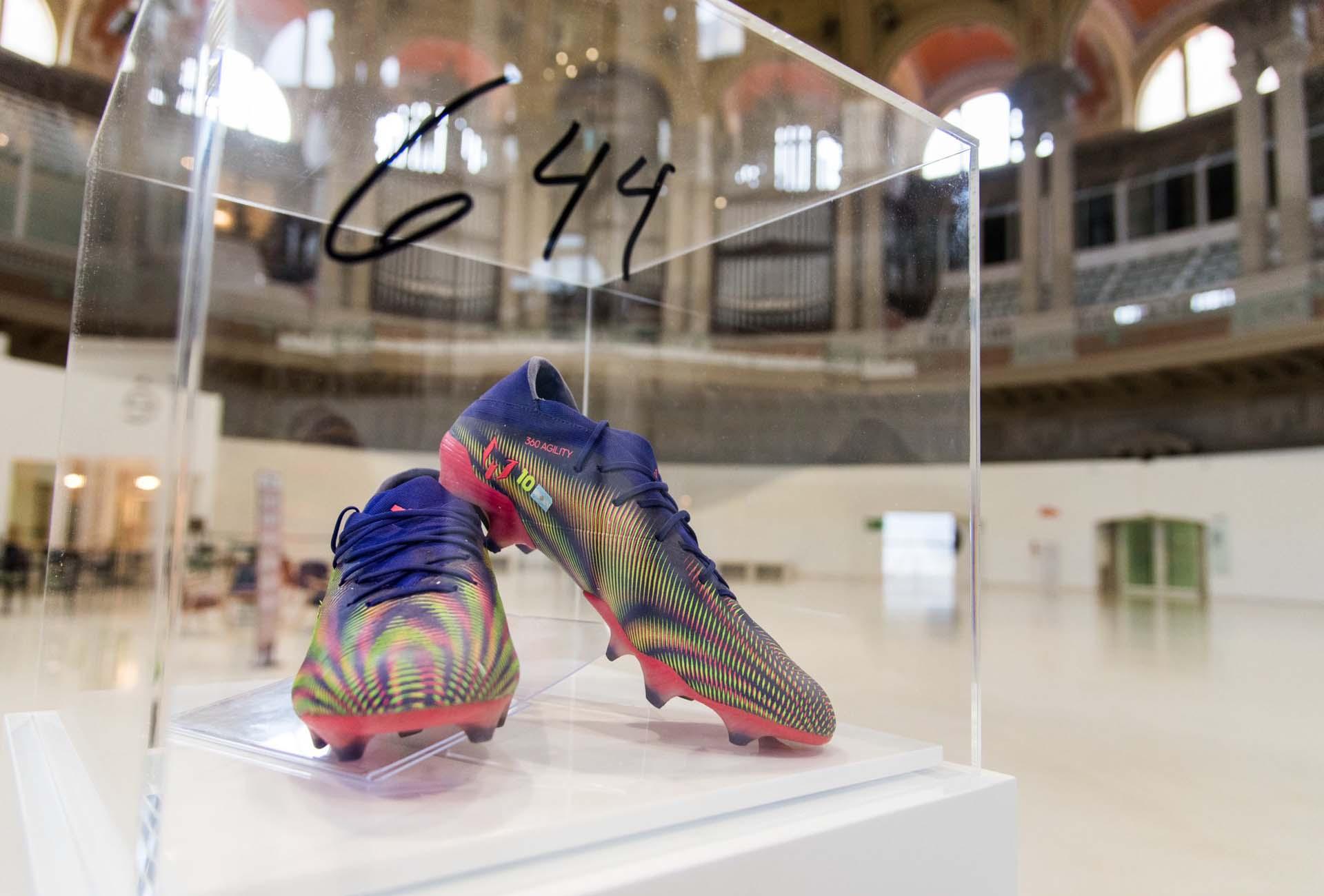 Képtalálatok a következőre: messi shoes december 22 museum