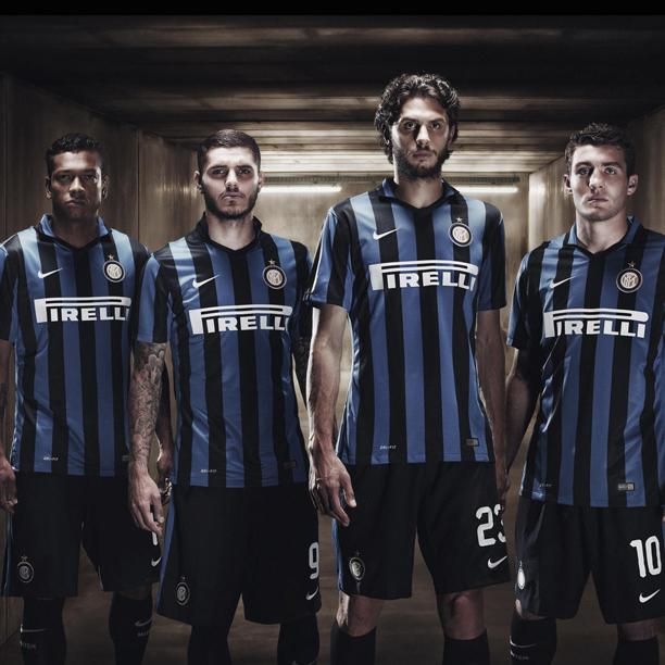 purchase cheap 3aeaa 641e0 Zanetti's Inter Milan Kits Illustrated - SoccerBible