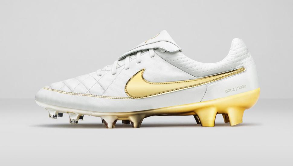 designer fashion df842 1000a Nike Tiempo Legend