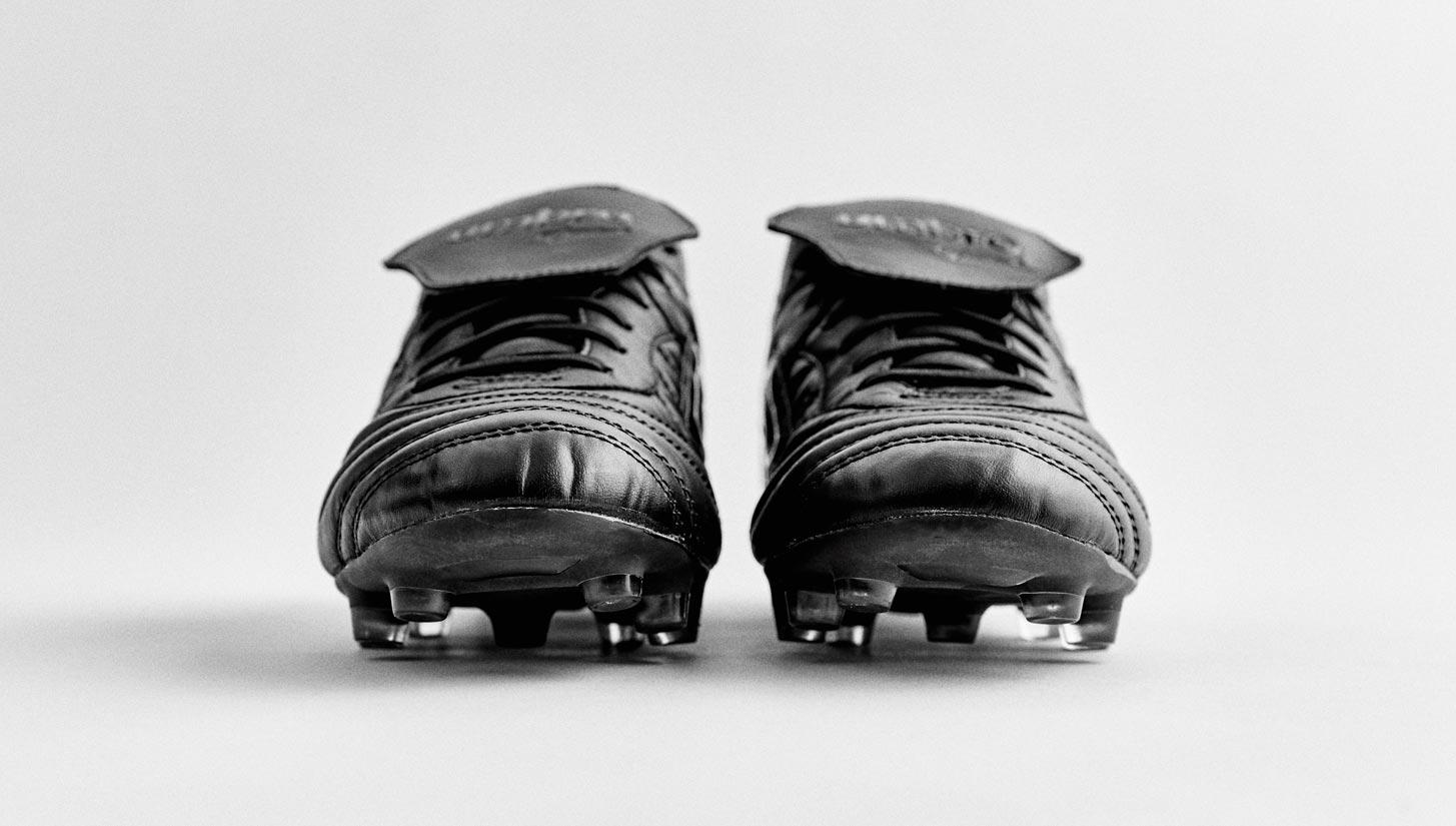 32864cac1d6d56 Umbro Speciali Eternal Pro Black/Black - SoccerBible