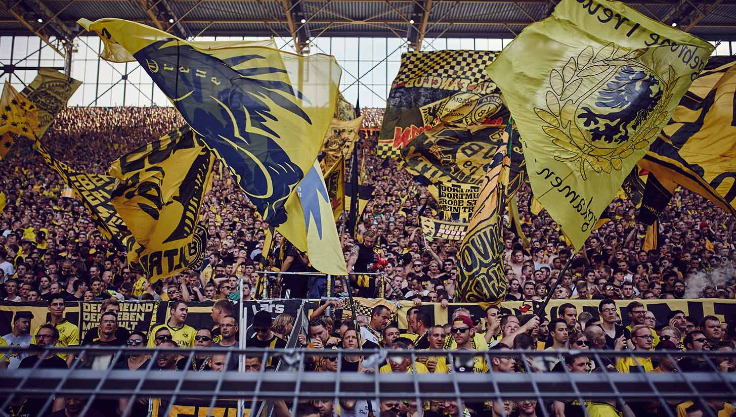 The Yellow Wall Borussia Dortmund Soccerbible
