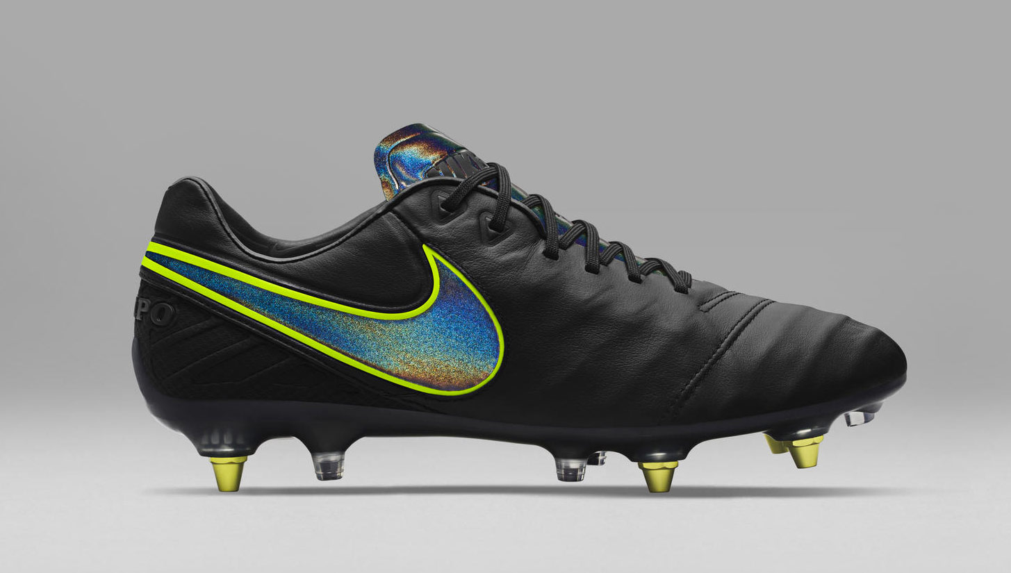 b80340ebcb44 Nike Introduce Anti-Clog Traction Technology - SoccerBible