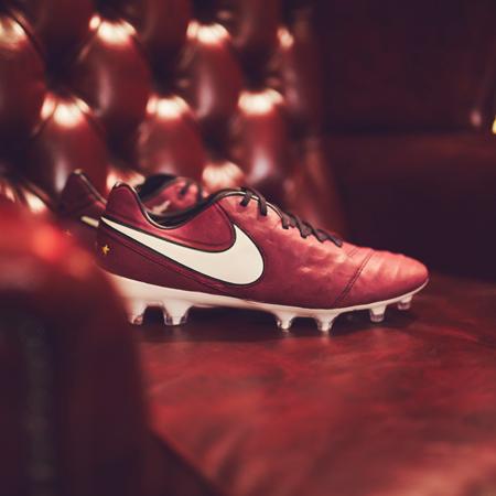 uk availability 74da6 33e11 Nike Tiempo Legend 6 Pirlo Edition