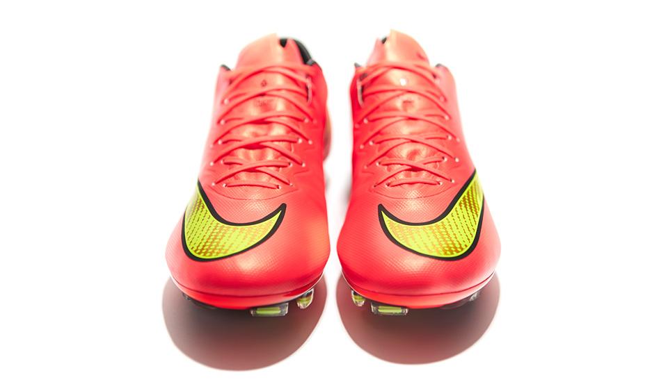 af548827262 Nike Mercurial Vapor X Football Boots - SoccerBible