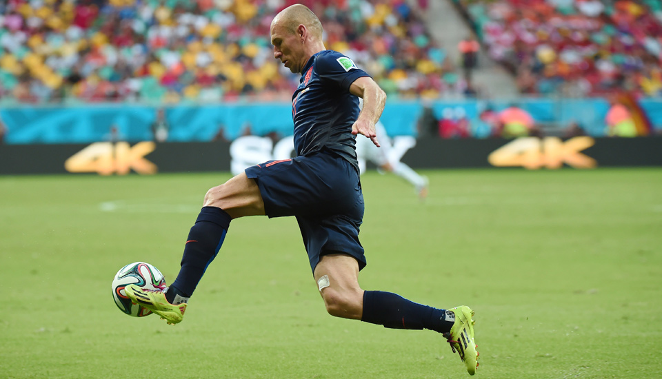 4508ce32e0f Arjen Robben Switches into Battle Pack - SoccerBible