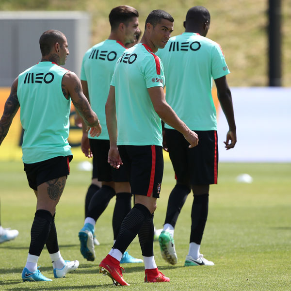 1d88b4f9f Cristiano Ronaldo Trains in Nike CR7 Mercurial Campeões Football Boots -  SoccerBible.