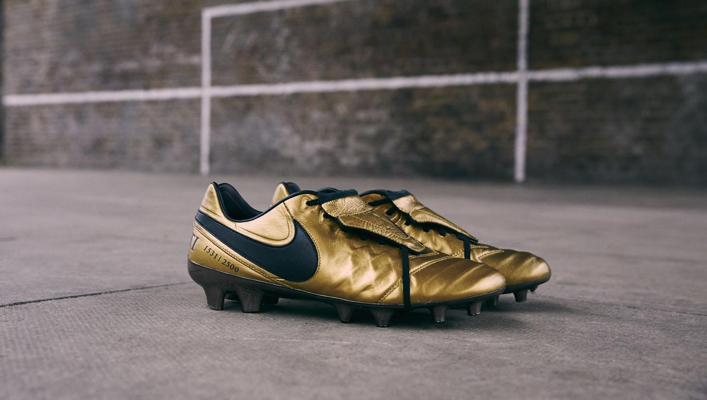575e95d22dd6 Nike Tiempo Totti X Roma Football Boots - SoccerBible
