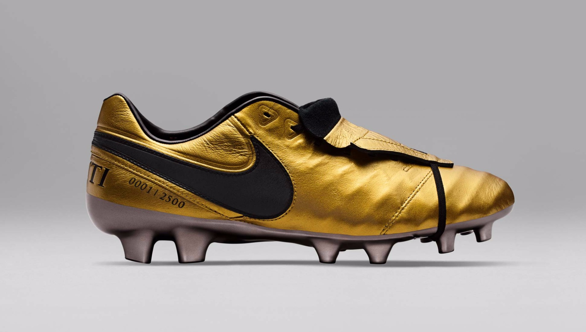 detailed look c10b8 72491 Nike Tiempo Legend Totti Football Boots - SoccerBible
