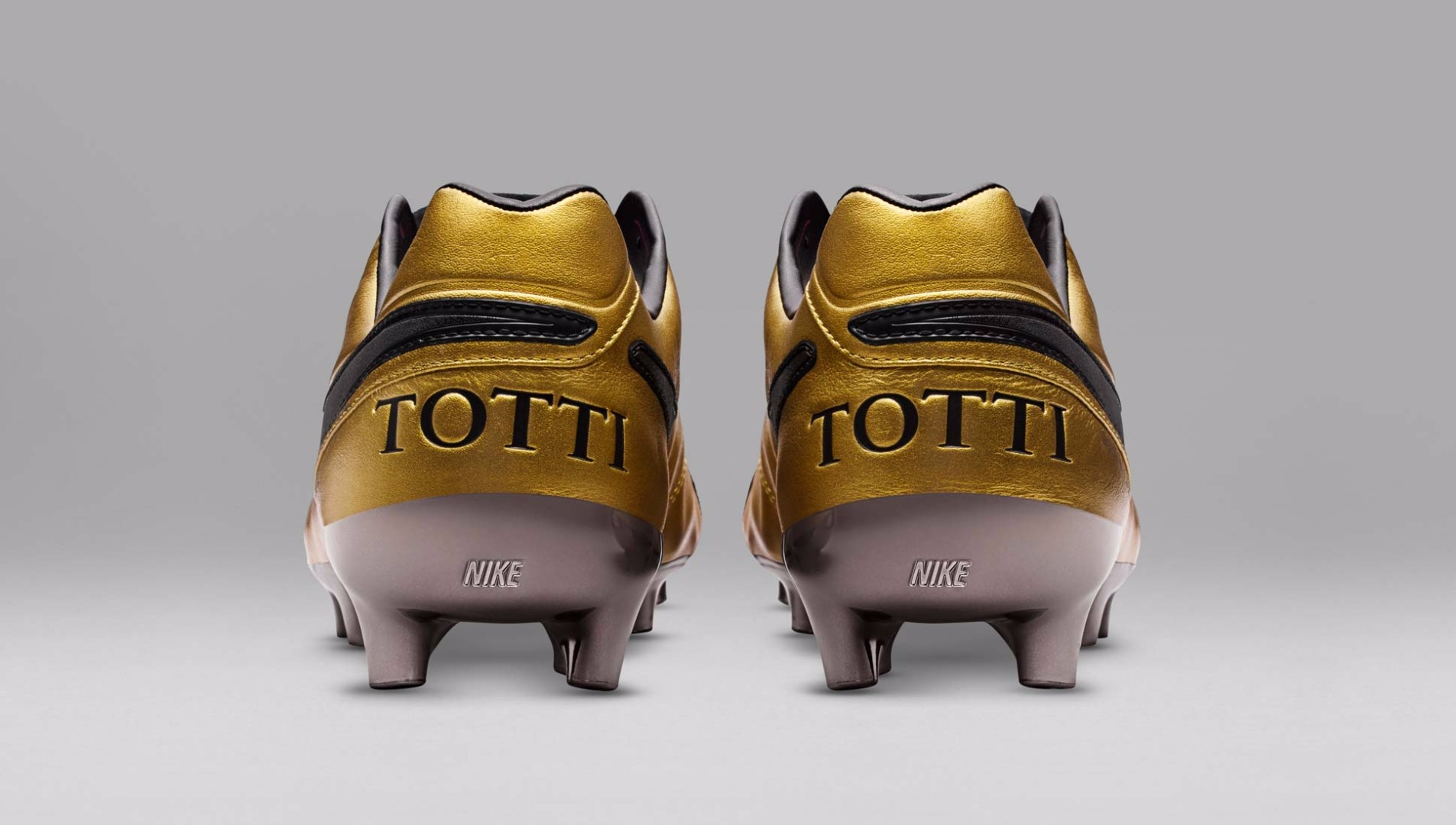 detailed look a4061 406ef Nike Tiempo Legend Totti Football Boots - SoccerBible