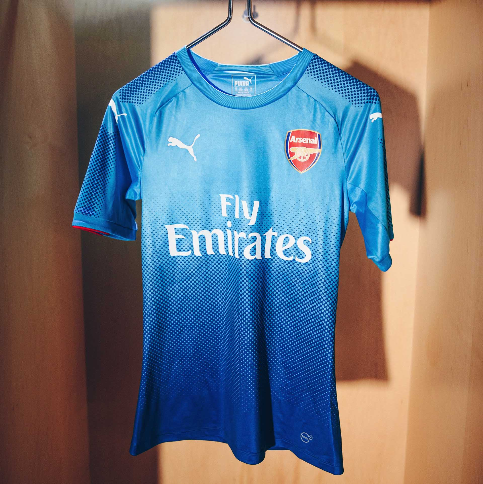 timeless design 72a83 34bf2 Arsenal 2017/18 PUMA Away Shirt - SoccerBible