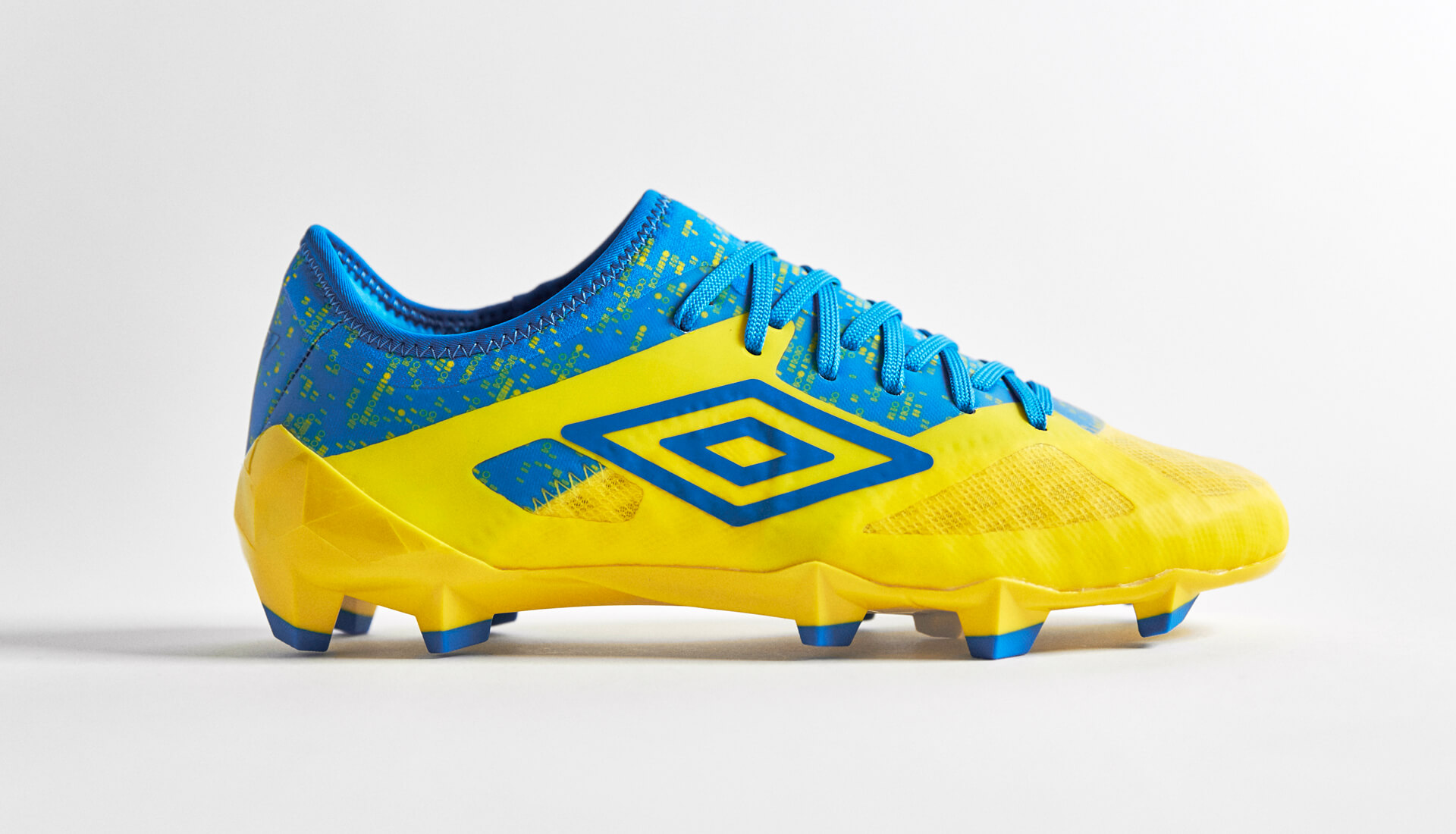 Fashion style Cleats Umbro yellow for girls