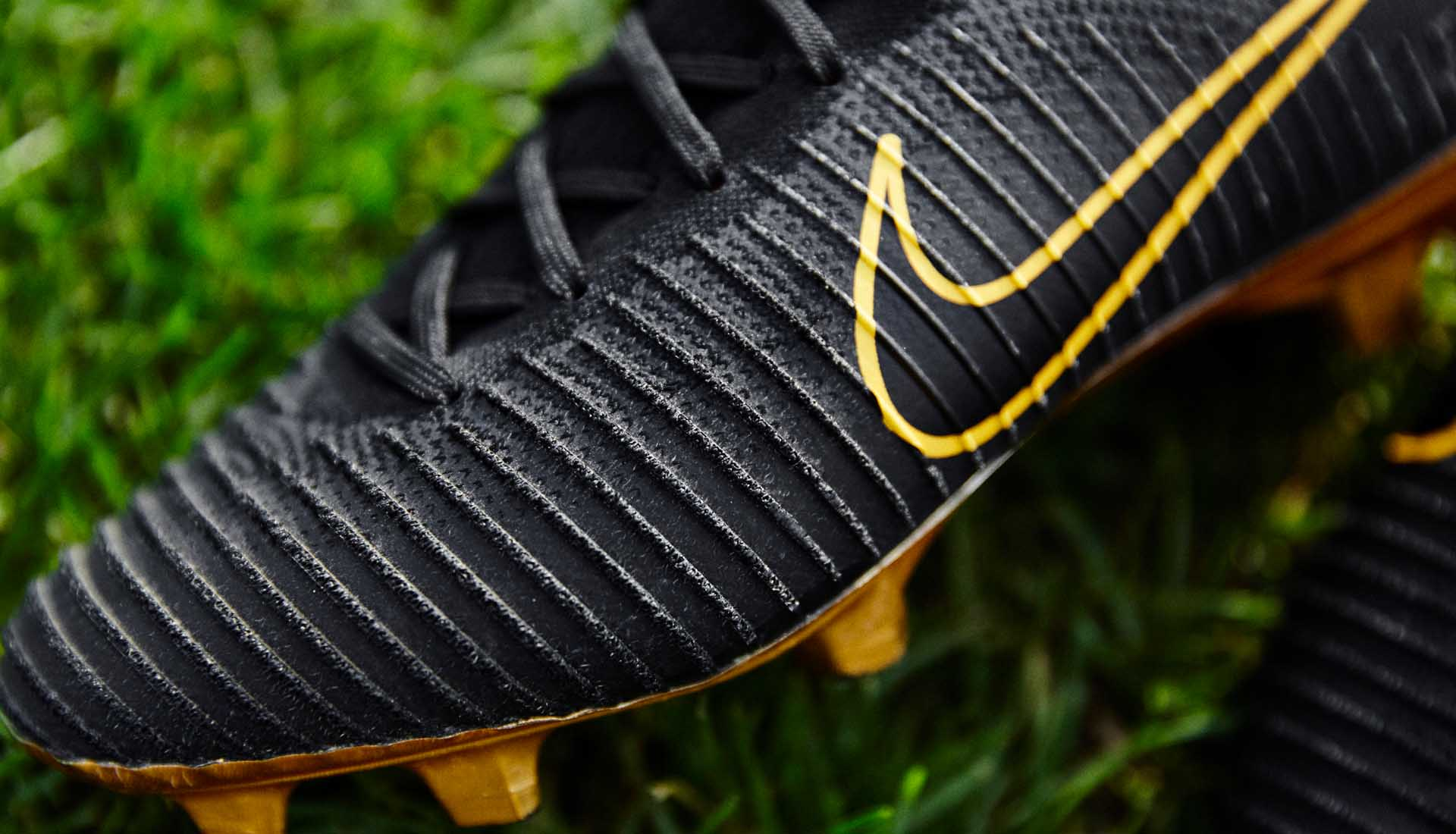7c130ccc2f0 Nike Launch The Mercurial Vapor Flyknit Ultra - SoccerBible