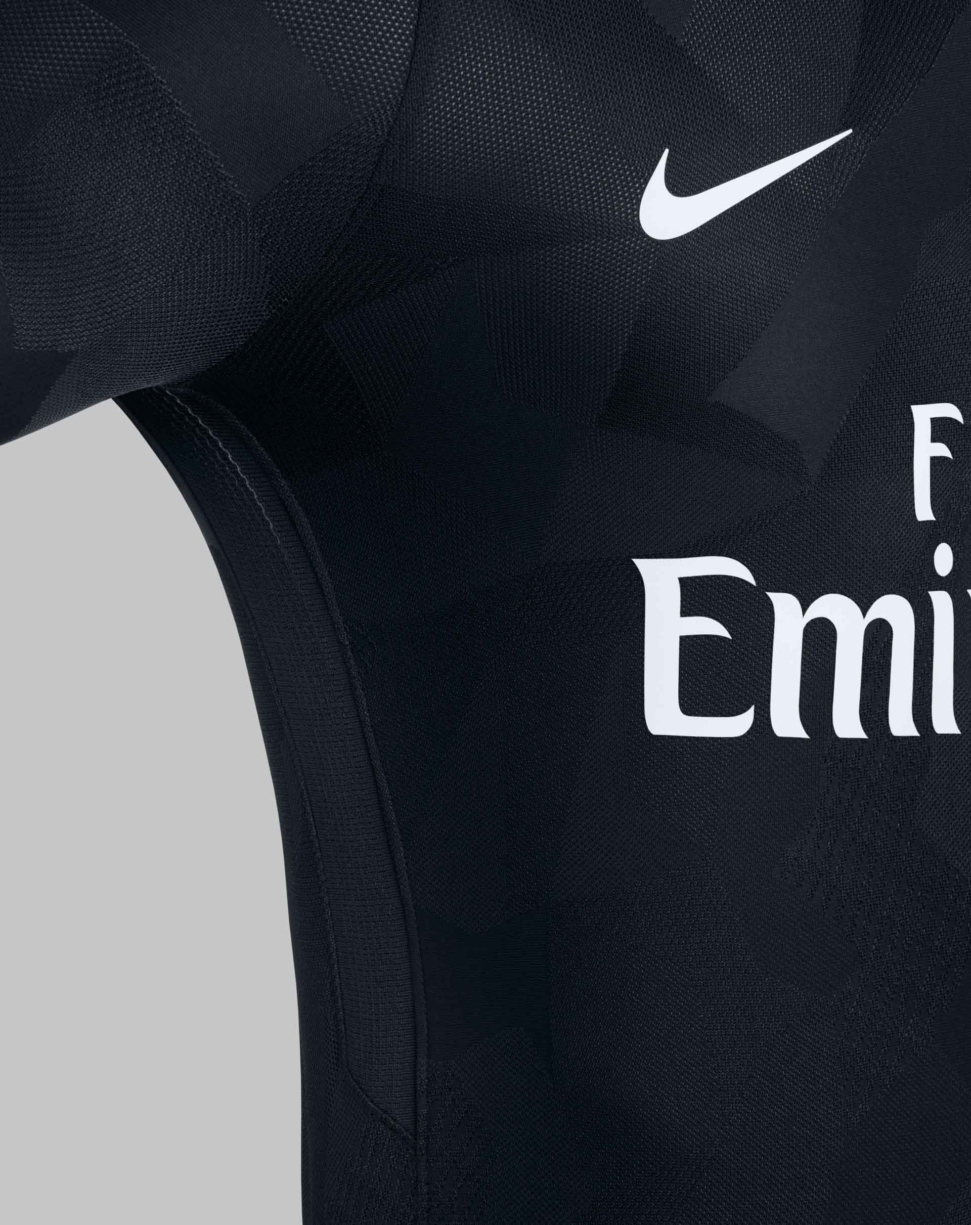 huge selection of 01d4b 07954 Neymar Reveals PSG 17/18 Nike Third Kit - SoccerBible