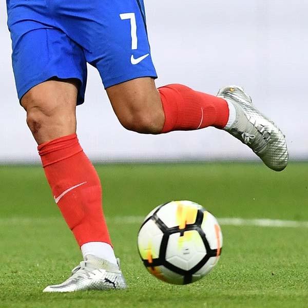 e7d68405b Antoine Griezmann Wears Custom Designed PUMA Future Boots - SoccerBible