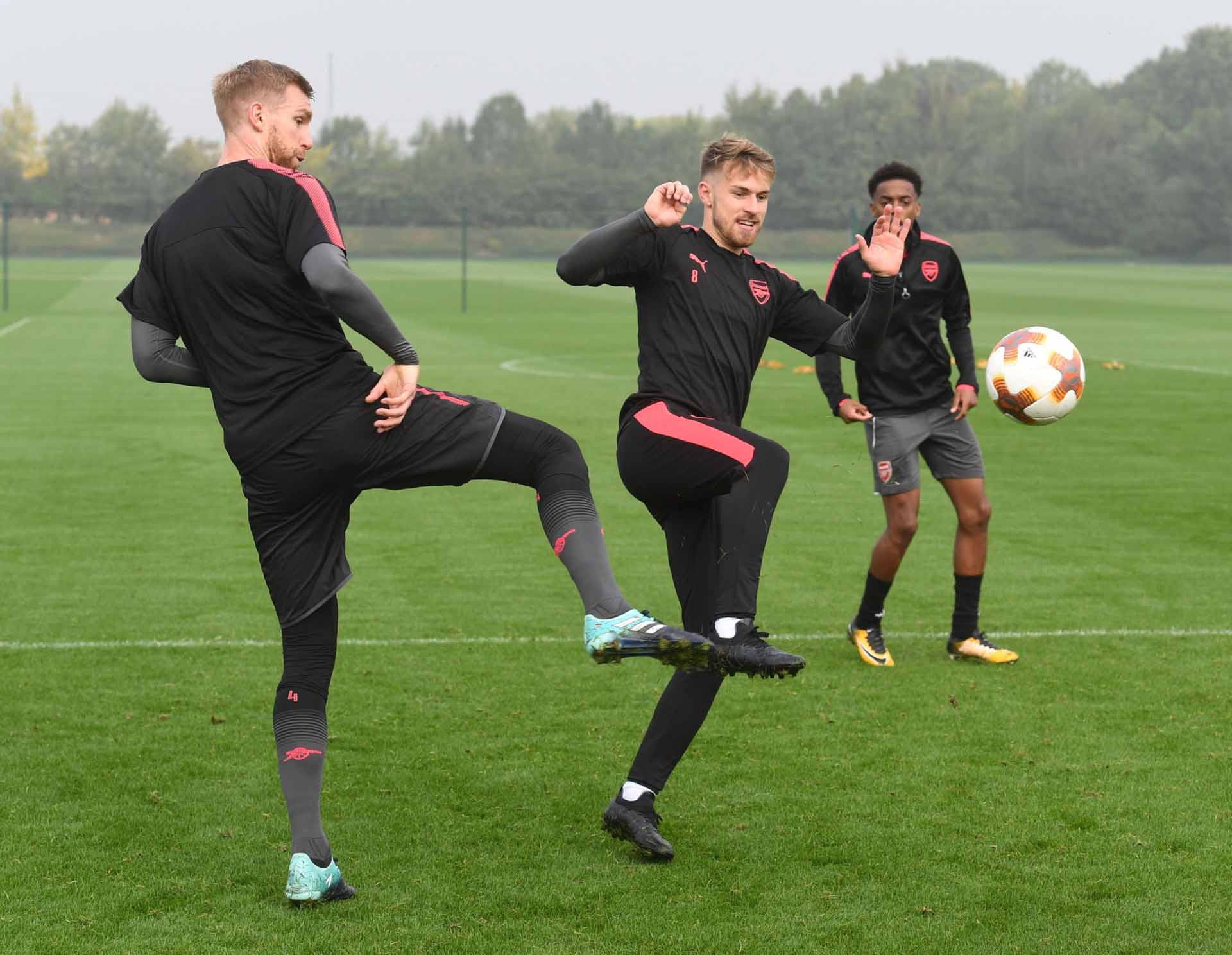e239539a652b Aaron Ramsey Trains In Next-Gen New Balance Boots - SoccerBible