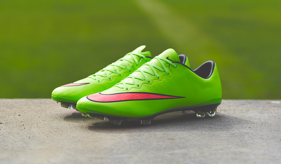 new products 84ede 0a136 Nike Mercurial Vapor X - Green Volt HyperPunch Black