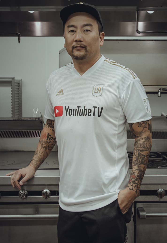 3-lafc-home-away-2018-kits.jpg