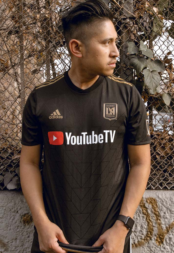 9-lafc-home-away-2018-kits.jpg