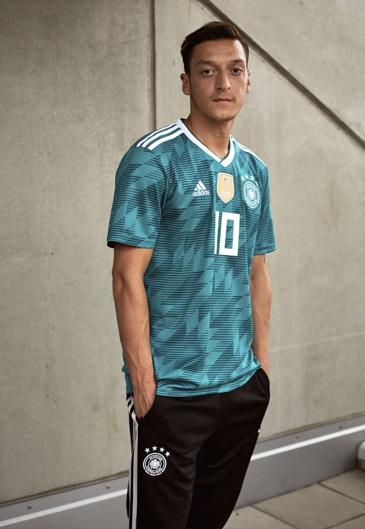 germany-away-shirt-2018-3.jpg