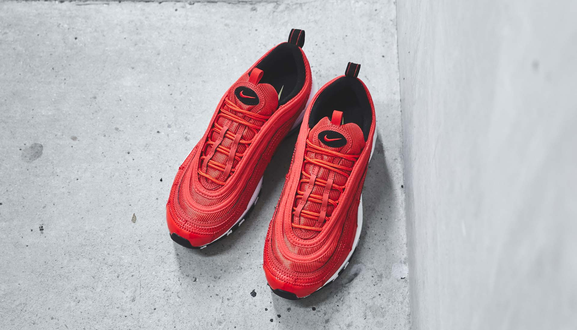 97 At Closer Air Cr7 Soccerbible A Look Nike The Max ABRnqCO