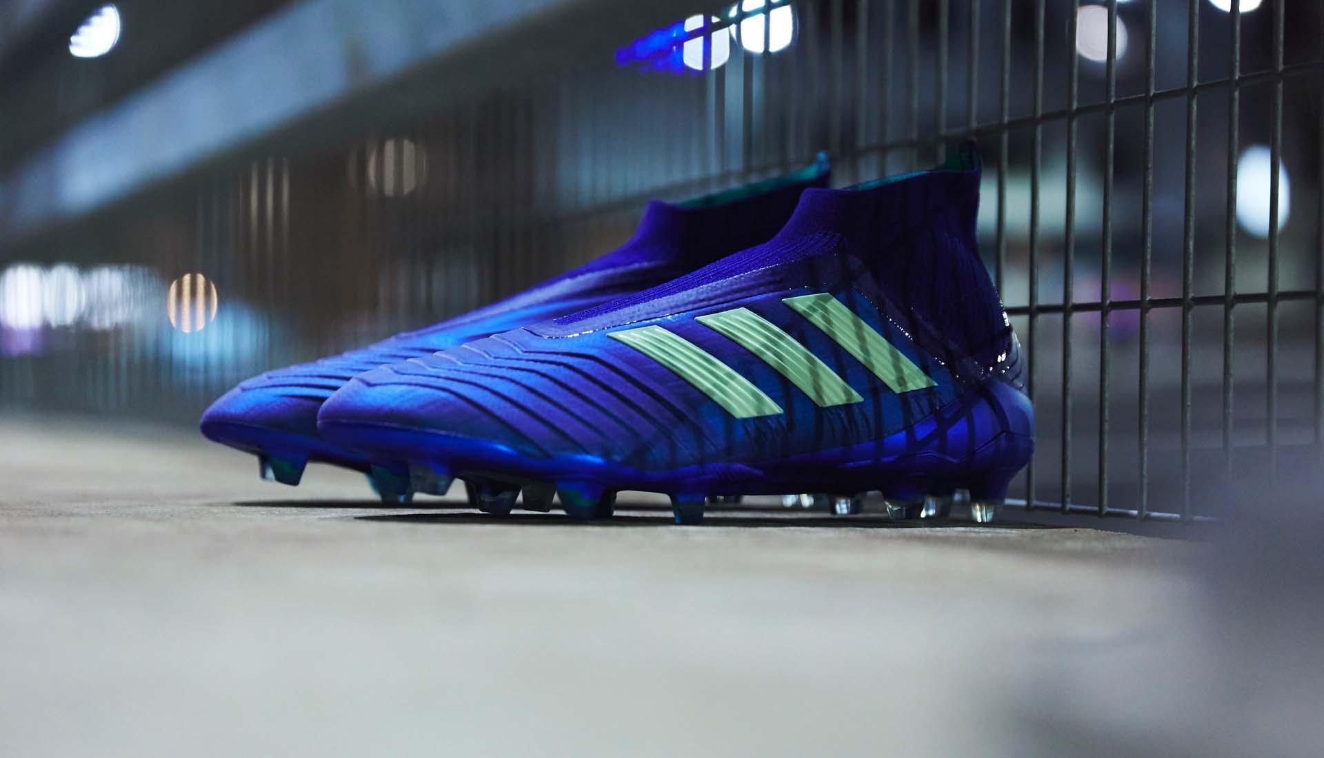 sports shoes bfdc9 67519 1-adidas-predator-18-deadly-strike.jpg