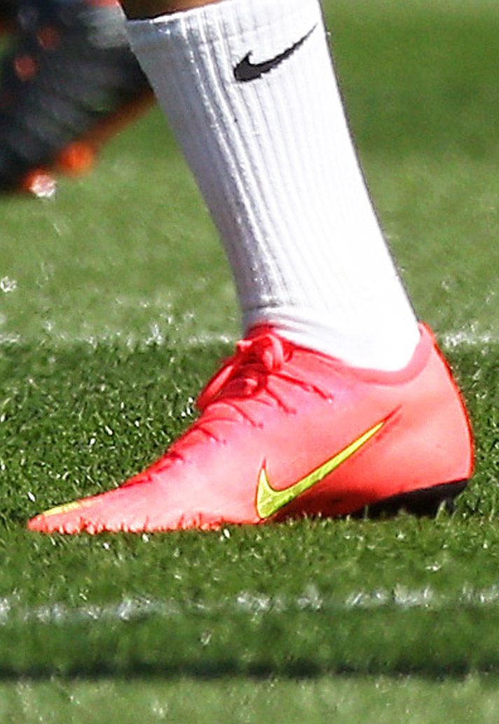 size 40 1f54b 26be4 Leroy Sane Trains in Nike Mercurial Heritage Colourway - SoccerBible