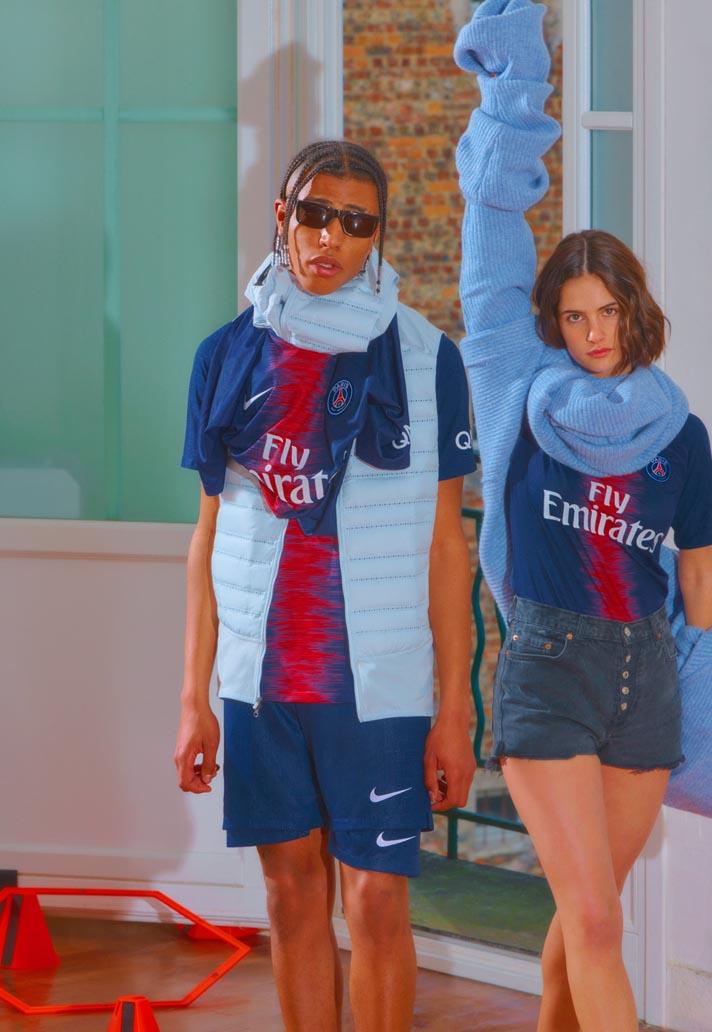 atravesar Ajustable Competencia  Nike Launch The PSG 2018/19 Home Shirt - SoccerBible