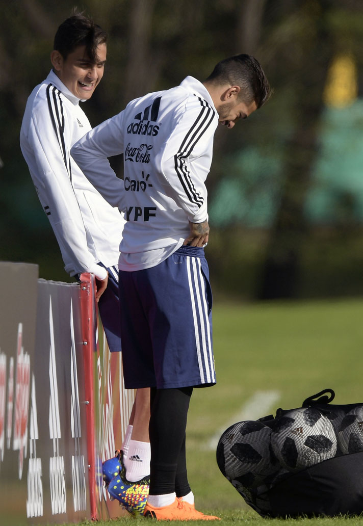 23d701cc1 Paulo Dybala Adidas – Spieler Bild Idee