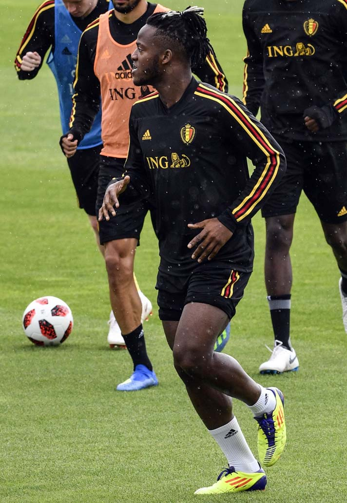 batshuayi-boot-spotting-09-07.jpg