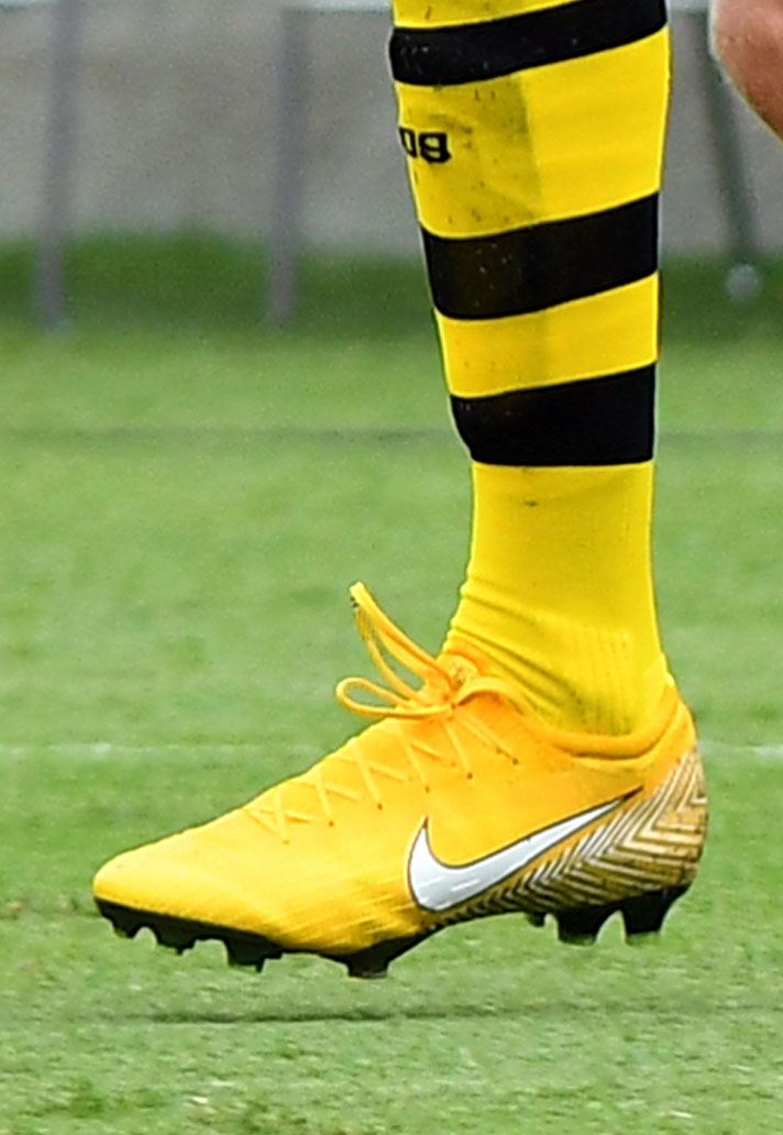 Global Boot Spotting - SoccerBible 574bf81ee37