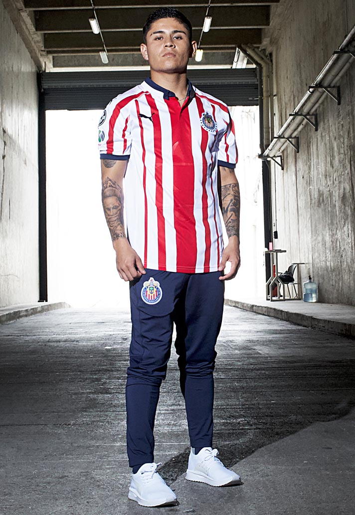 100% authentic f5824 42460 PUMA Launch Chivas 18/19 Home & Away Kits - SoccerBible