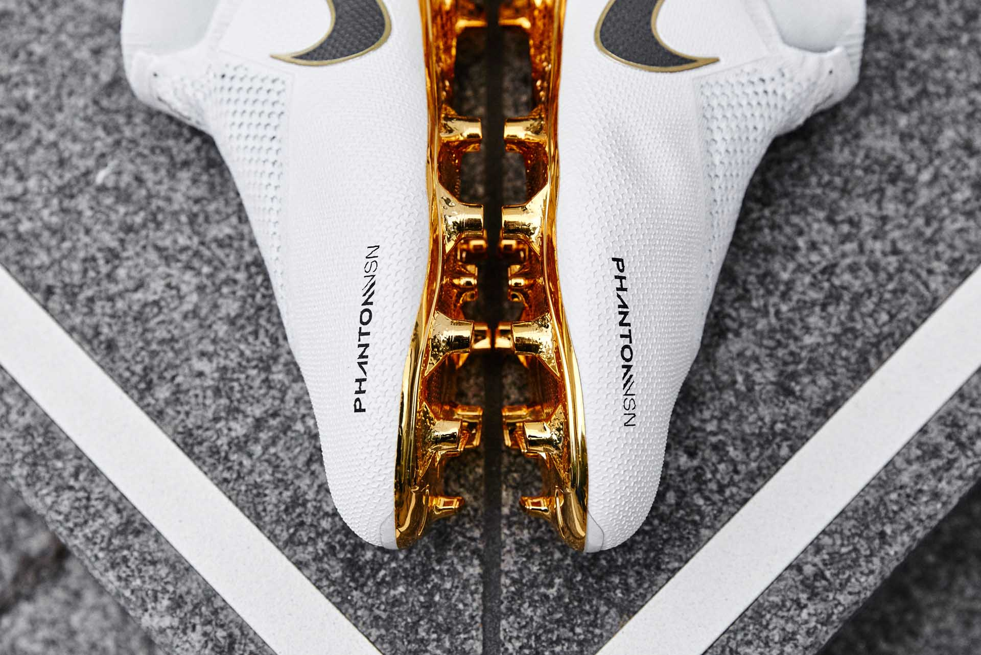 10-nike-phantom-vsn-white-gold.jpg