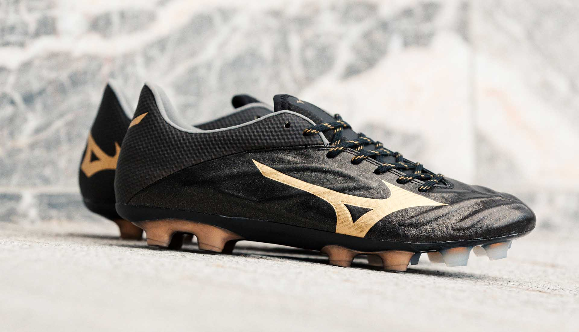 mizuno football