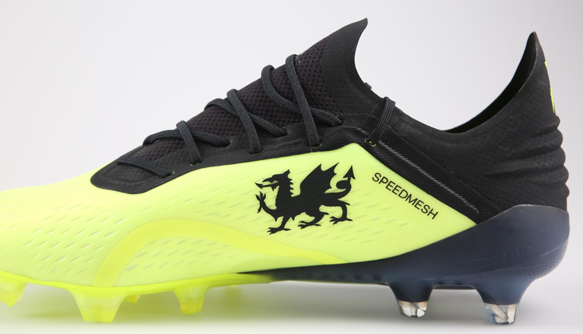 Bale Wales Record Boots_0001_GB12.jpg