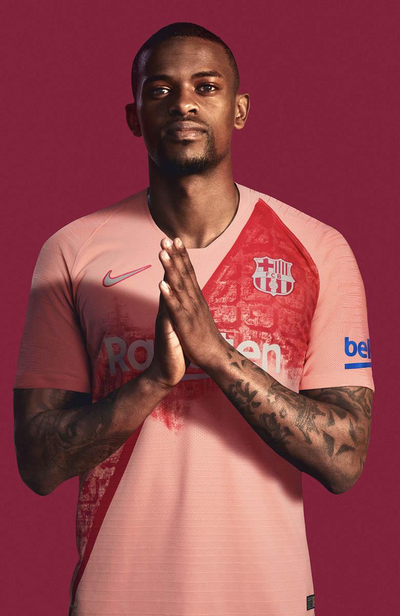 Barcelona 18 19 Third Kit_0002_FCB_2018-19_ThirdKit_SU18_CKC_FCB_SEMEDO_085_81889.jpg