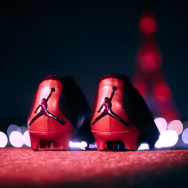Kylian Mbappe Gifted A Pair Of Air Jordan I High Og Dior Soccerbible