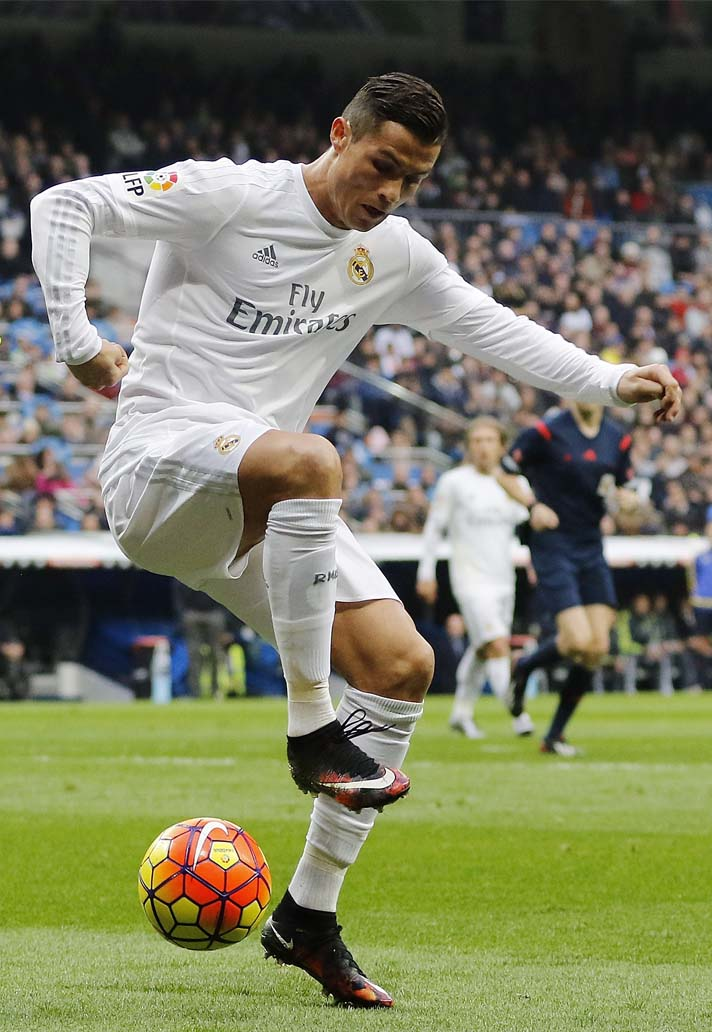 1-cr7-nike-mercurila-chapter-series-min.jpg