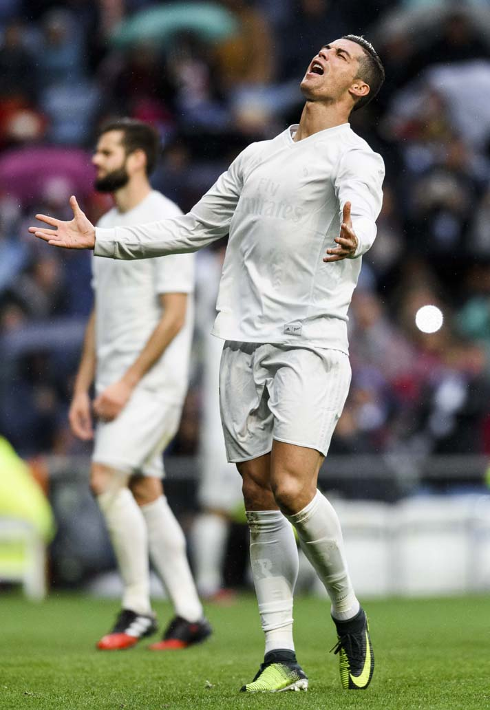 11-cr7-nike-mercurila-chapter-series-min.jpg