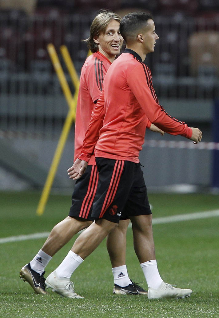 071341aa245 luka modric trains in special edition  best player  mercurial boots