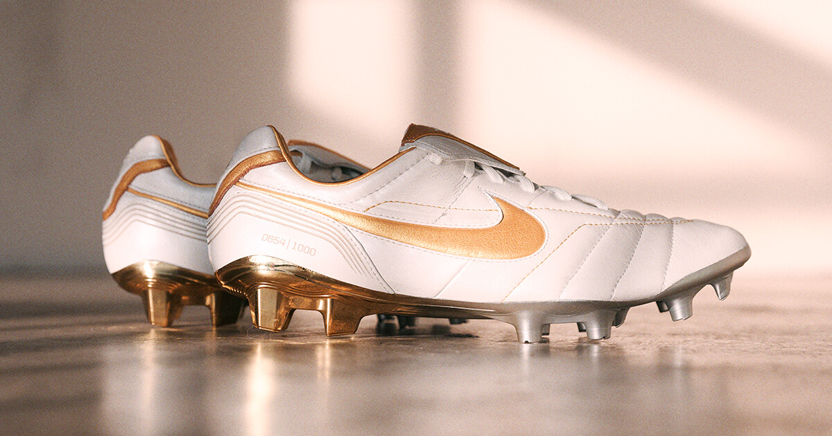 182556f130bd Nike Drop Limited Edition Tiempo Legend VII 10R Elite - SoccerBible.