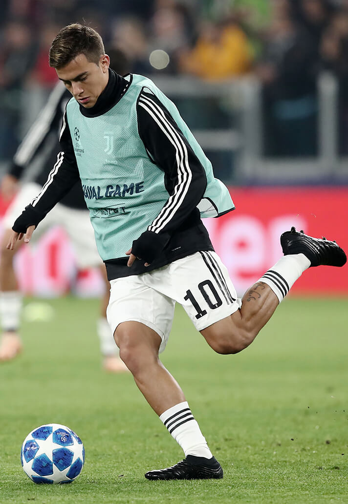 hoy Pez anémona Grabar  Dybala Wears Black-Out adidas Boots In Champions League - SoccerBible